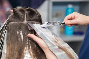 6 Tips for Choosing the Right Hair Color Salon